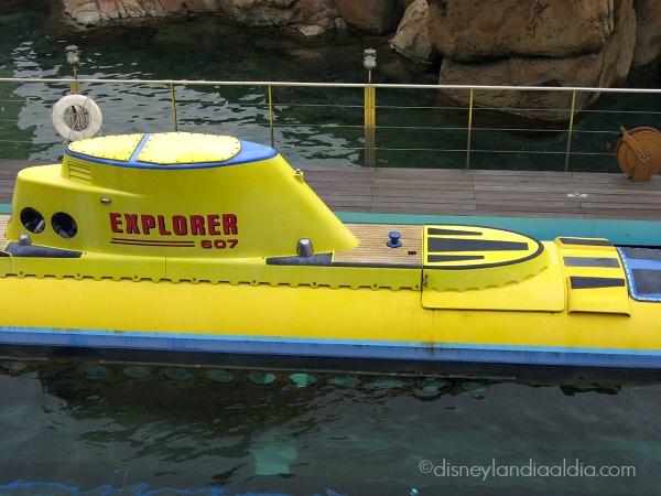Submarino del paseo Finding Nemo en Disneylandia