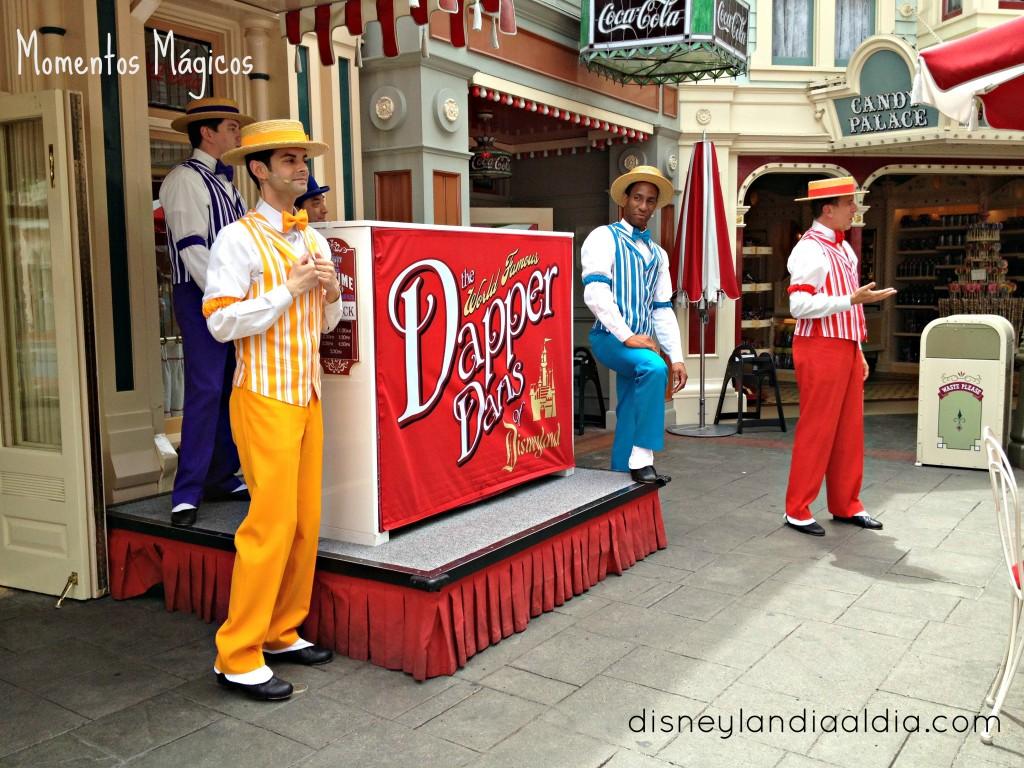 cantantes en disneylandia