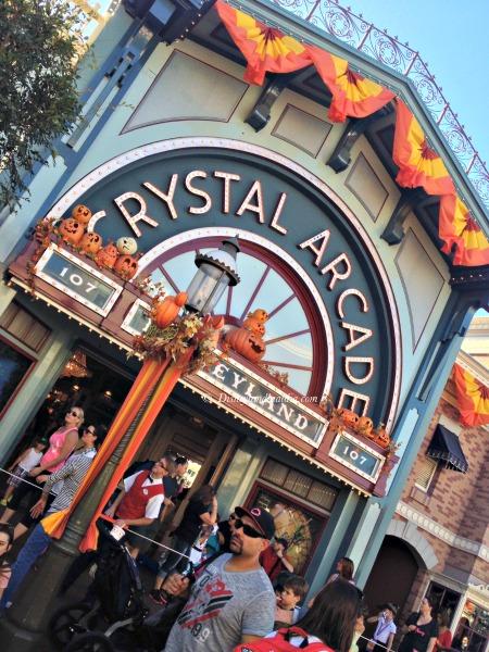 Crystal Arcade en Disneylandia