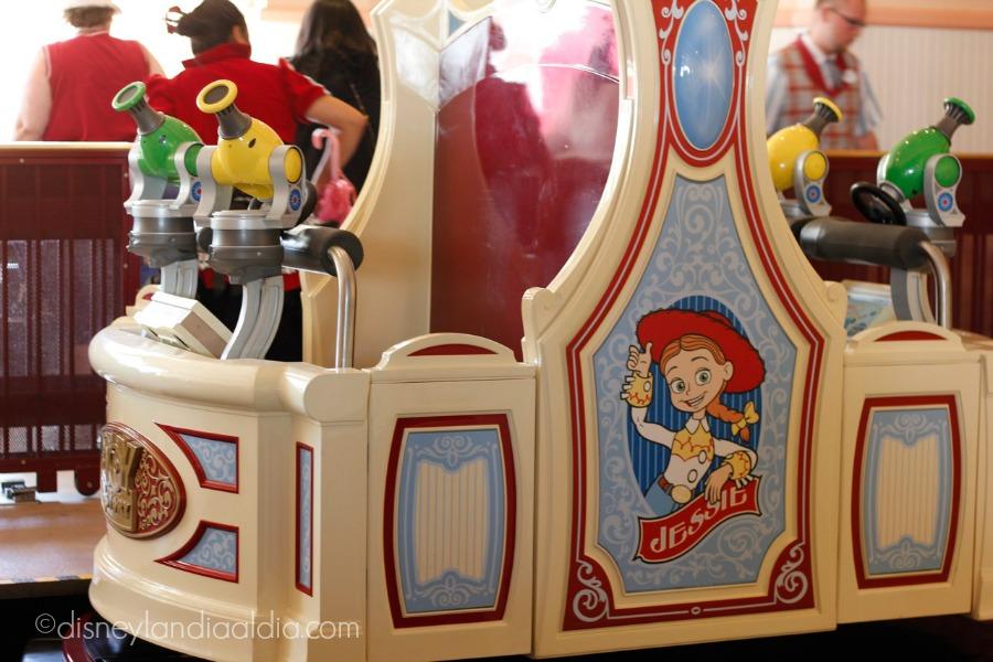 Toy Story Mania Carro - old.disneylandiaaldia.com