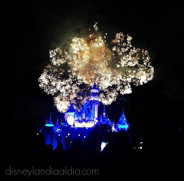 Los Cielos se Iluminan para el 4 de julio en Disneylandia - Disneylandiaaldia.com