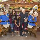 Mira quien vino al Reino Mágico ~ Lupillo Rivera en Disneylandia