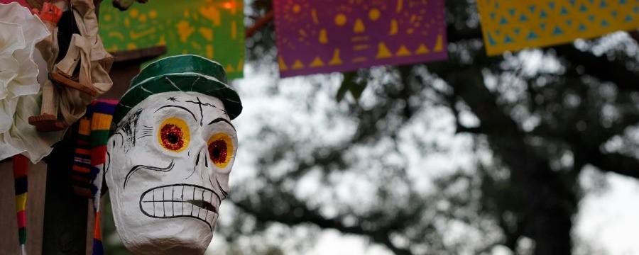 Celebra el Día de Muertos en Disneylandia