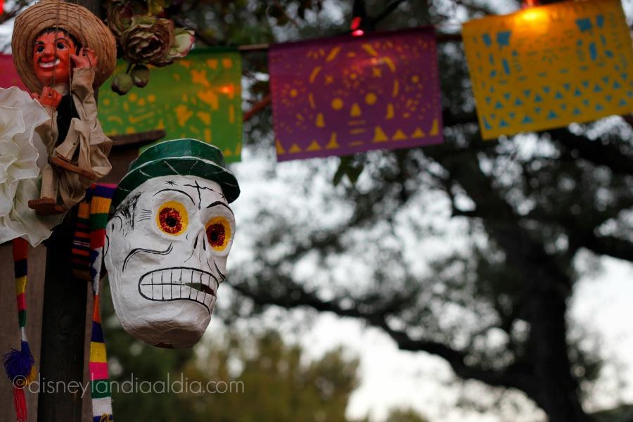 Calavera de Día de Muertos en Disneylandia