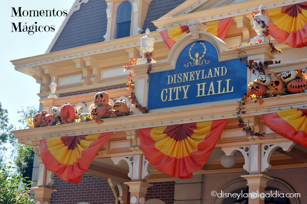 Calabazas en Disneyland City Hall
