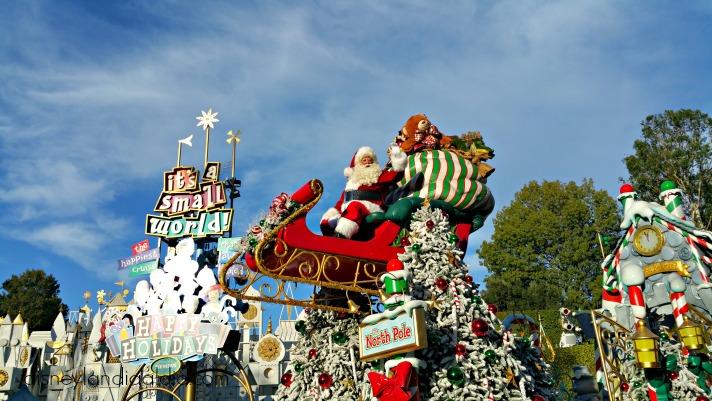 Santa Claus en el desfile de navidad de Disneylandia