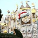 Da un Paseo Navideño por el Mundo en It's a Small World Holiday