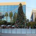 Celebrando la Navidad en Downtown Disney