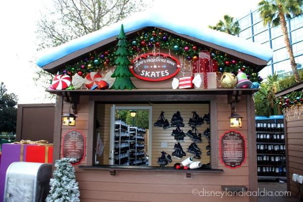 Renta de patines en la pista de patinaje de Olaf en Disneylandia