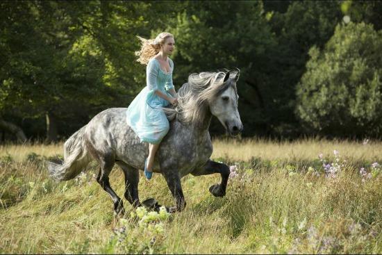 Cinderella a caballo