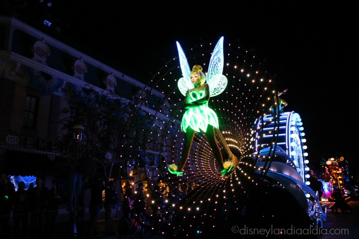 Paint the Night - Tinker Bell - old.disneylandiaaldia.com
