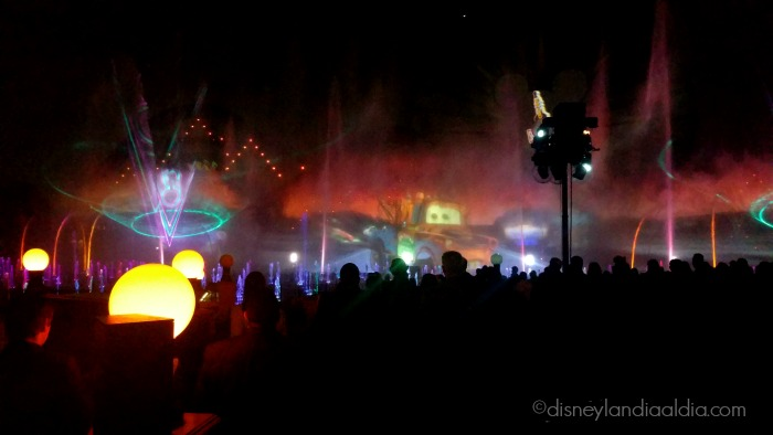 World of Color - Celebrate Cars - old.disneylandiaaldia.com