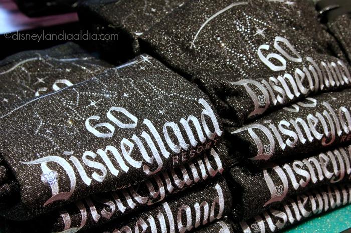 Suéteres del Aniversario 60 de Disneyland - old.disneylandiaaldia.com