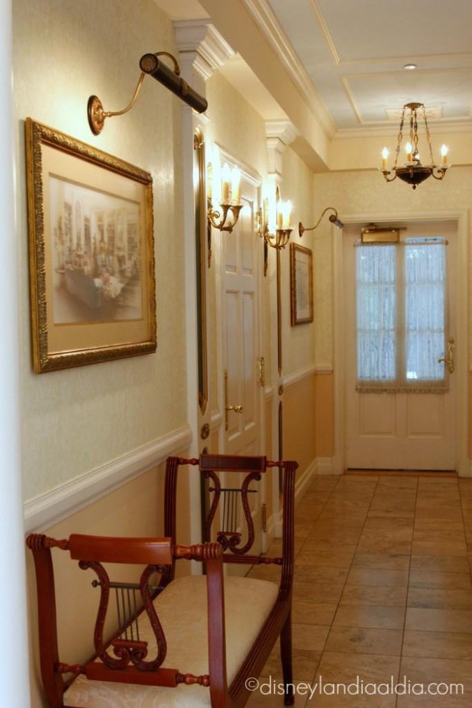 Pasillo interior de la Suite de Ensueño (Dream Suite) de Disneylandia - old.disneylandiaaldia.com