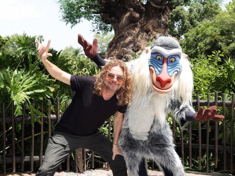 Mira quien vino a Walt Disney World~ Fher Olvera