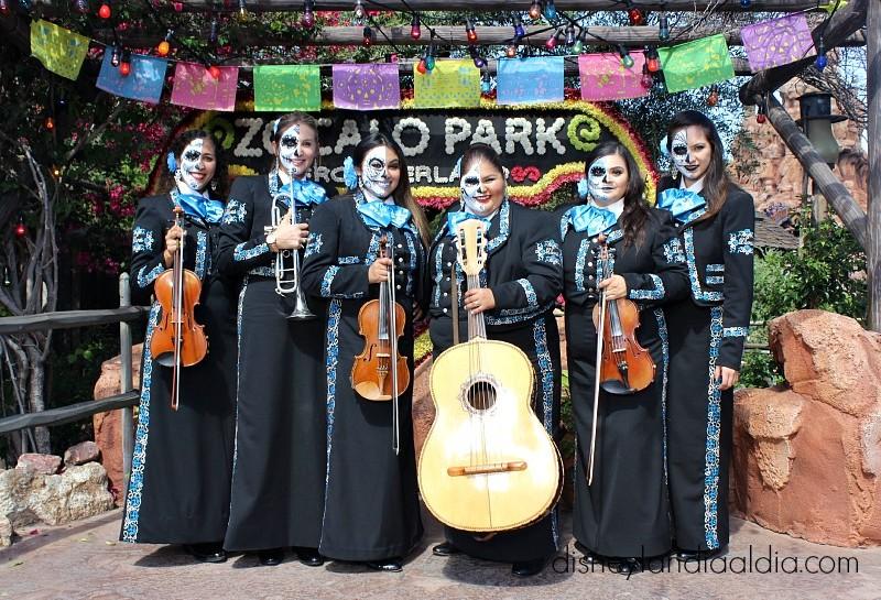 Exhibición de Día de Muertos en Disneylandia - disneylandiaaldia.com