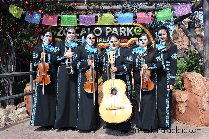 Exhibición de Día de Muertos en Disneylandia - old.disneylandiaaldia.com