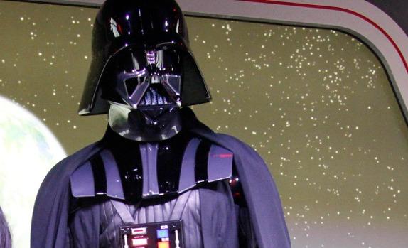 Entra al dominio de Darth Vader en Disneylandia - disneylandiaaldia.com