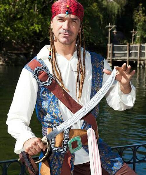 Jared Borgetti en Disneylandia - Disneylandiaaldia.com