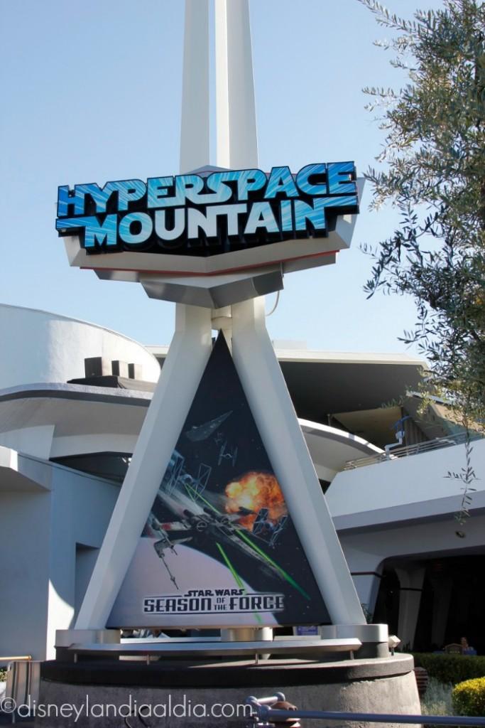 Hyperspace Mountain en Tomorrowland - disneylandiaaldia.com