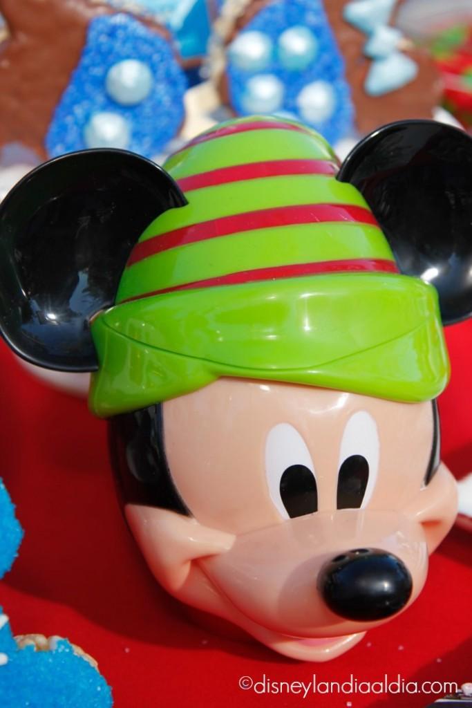 Taza para bebidas en forma de carita de Mickey Mouse - disneylandiaaldia.com