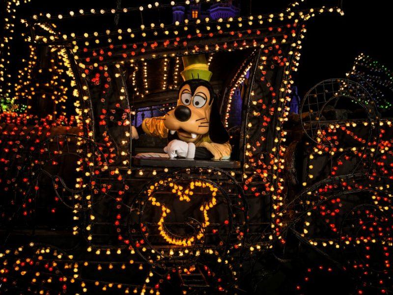 El Gran Regreso del Desfile Main Street Electrical Parade