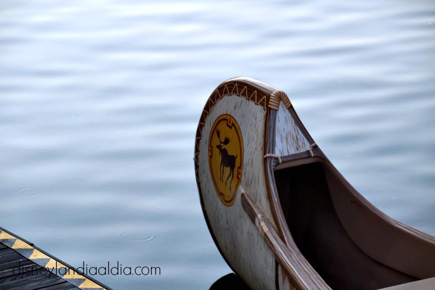 Davy Crockett's Explorer Canoes