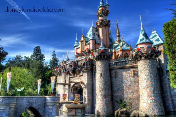 Castillo en Disneylandia en navidad
