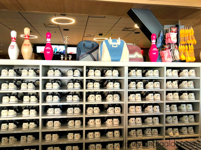 3 Razones para Visitar Splitsville Luxury Lanes en Downtown Disney