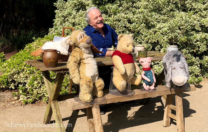 Jim Cummings con Winnie the Pooh y amigos