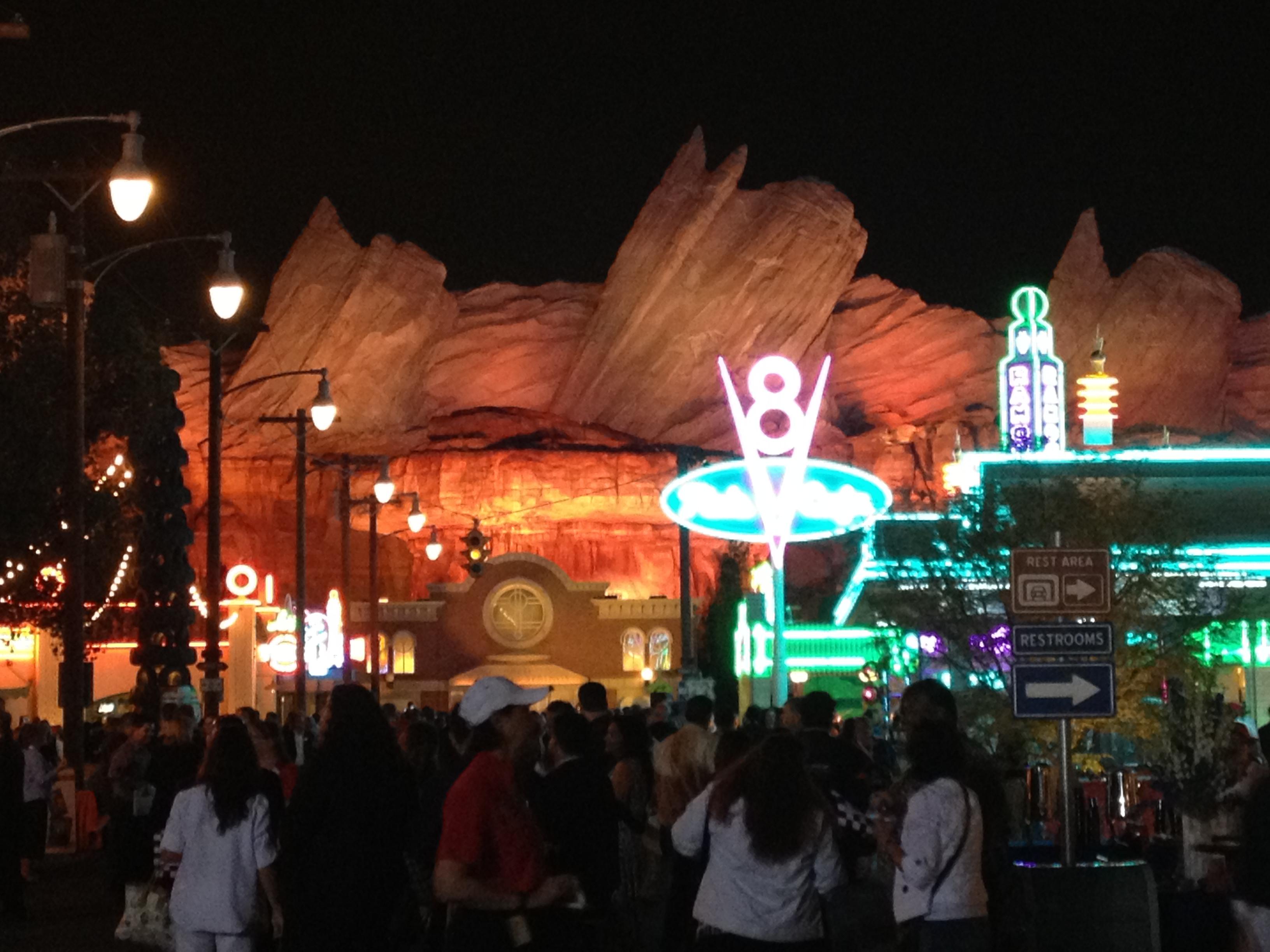 Cars Land Disneylandiaalaidia
