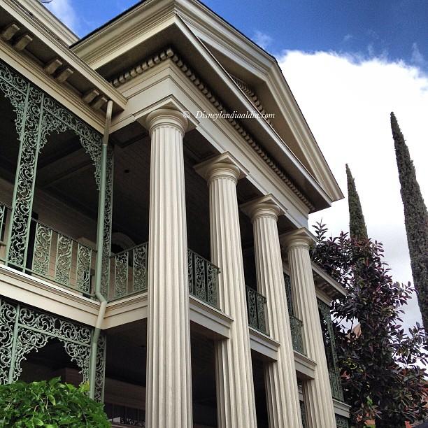Haunted Mansion en Disneylandia