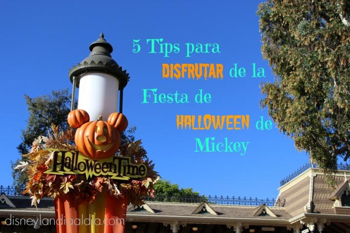 Disfrutar de la Fiesta de Halloween de Mickey