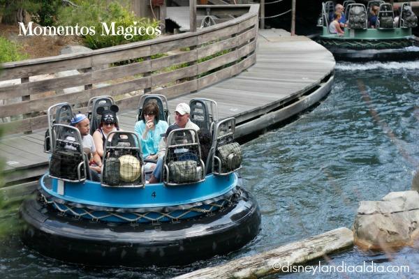 Botes en Grizzly River Run en Disney California Adventure