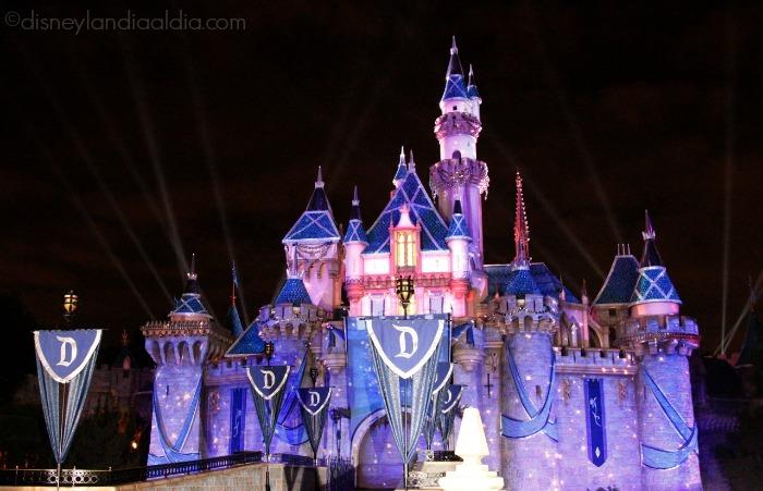 Castillo de Disneylandia - 60 aniversario - old.disneylandiaaldia.com