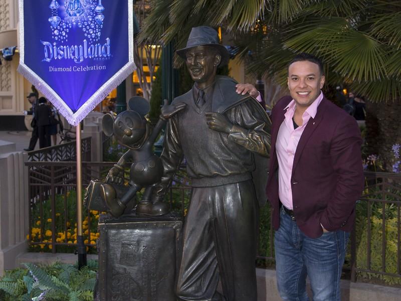 Lorenzo Mendez en Disneylandia