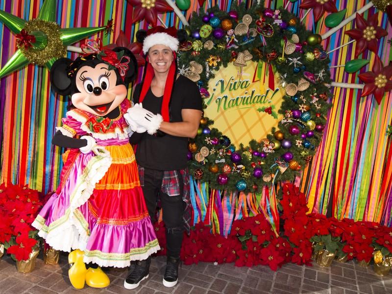 Joey Montana en Disney Viva Navidad