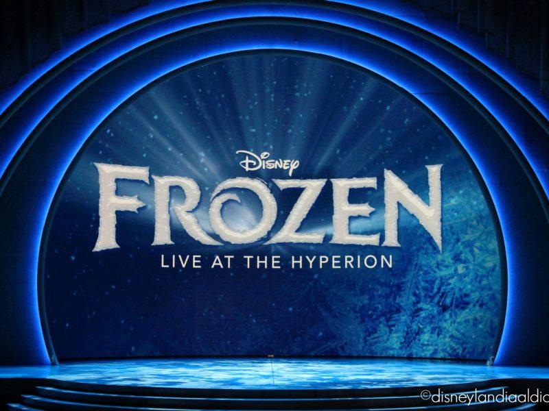 Logo en escena de Frozen Live at the Hyperion - disneylandiaaldia.com