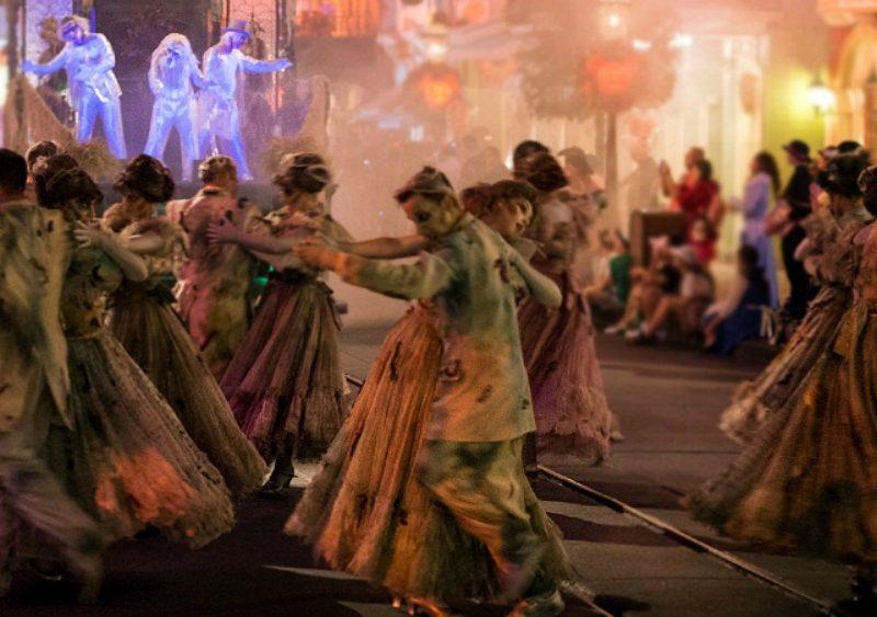 Nuevo Desfile 'Frightfully Fun Parade' en Disneylandia
