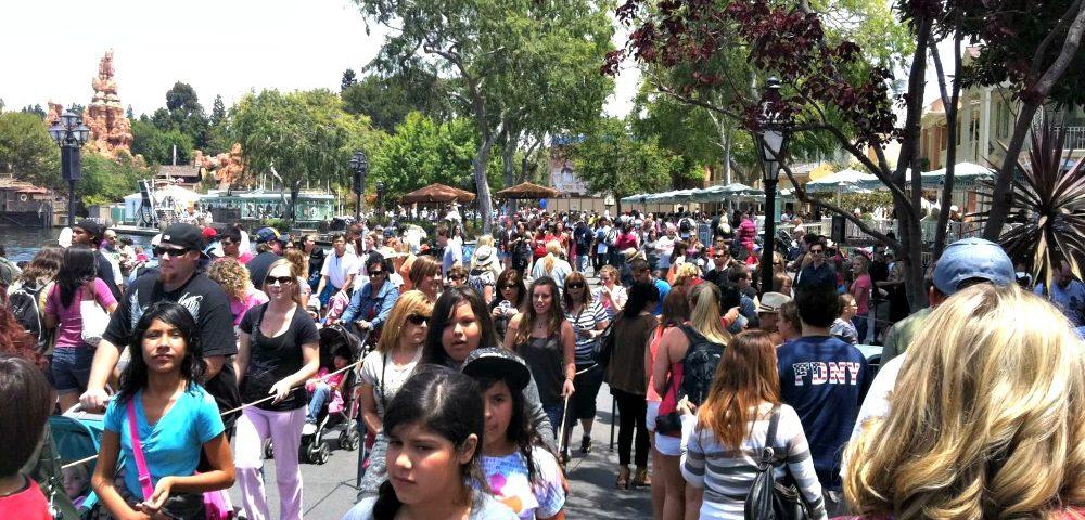 ¿Qué Pasa Cuando Disneylandia Alcanza su Capacidad?