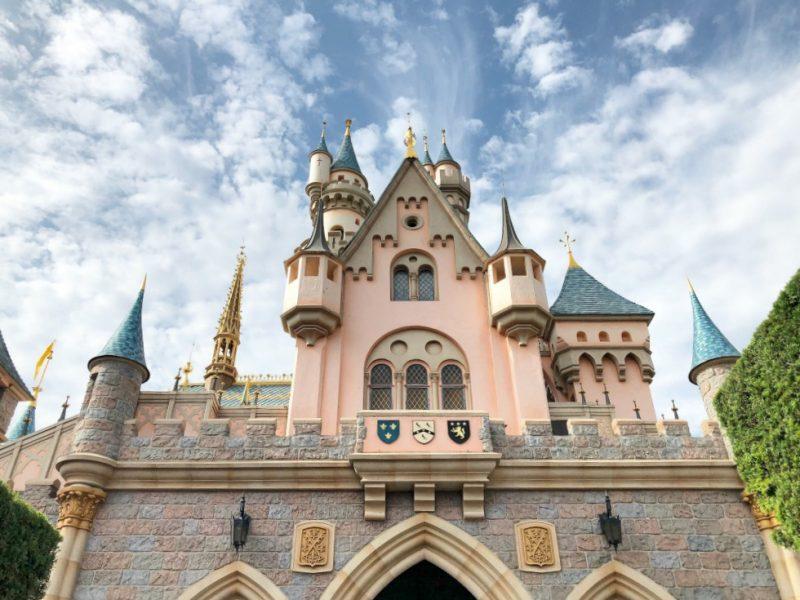 Castillo de la bella durmiente en Disneylandia