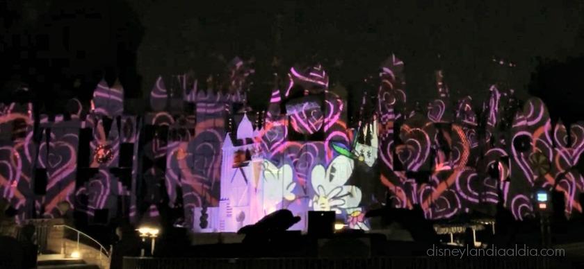 Mickey's Mix Magic ilumina la Noche en Disneylandia